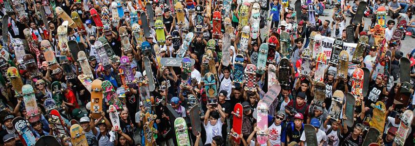 mucha gente con skates
