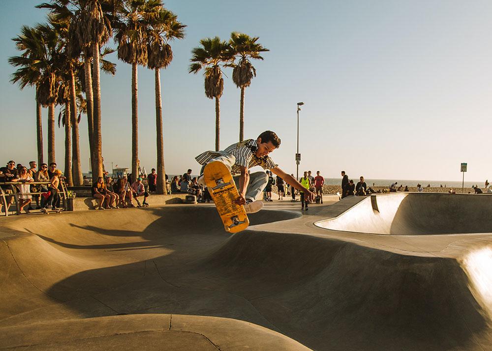 Un skate más ancho es perfecto para bowl y pool